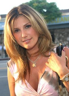 Shoulder Length Hairstyles 2014 - Daisy Fuentes' Hairstyle