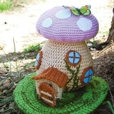 Mushroom Spring Fairy House FREE pattern, very whimsical - thanks so xox