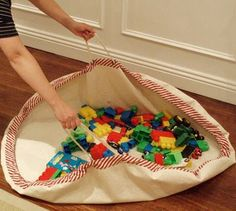 play mat play bag. easy clean up