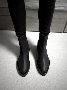 kick ass black boots #shoes