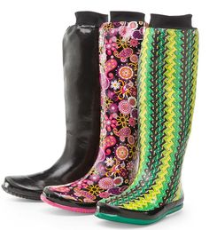 "Packable ""Puddletons"" Womens Roll-Up Rain Boots - brought to you by Plow & Hearth - they're packable - $49 - I think these are brilliant!!!!!"
