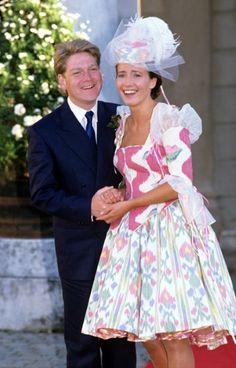 Emma Thompson and Kenneth Branagh's wedding, 1989. That dress!