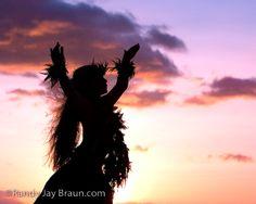Nohona Ho'olaula'a, Celebrate Life #Hula dancer
