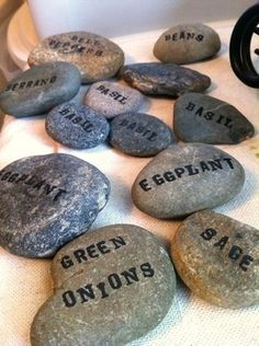 Make these gardenmarkers