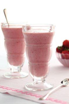 Paula Deen Strawberry Banana Smoothies
