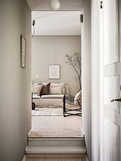 Calm and cosy beige decor