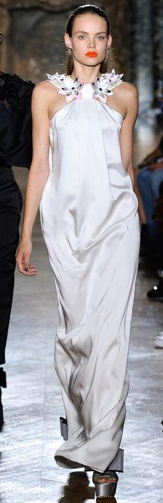 John Galliano SpringSummer 2014 RTW – Paris Fashion Week