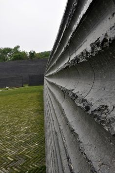moulded concrete - nanjing museum of art & architecture by steven holl
