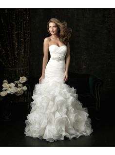 Button Closure Dropped Waist Trumpet Wedding Dress
