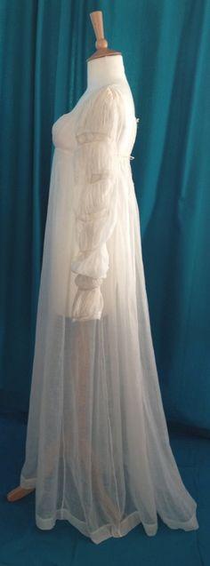 fine white, mameluk, tie, sleev, 18051810, lace insert, buttons, white muslin, muslin gown