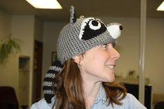 raccoon hat - free pattern