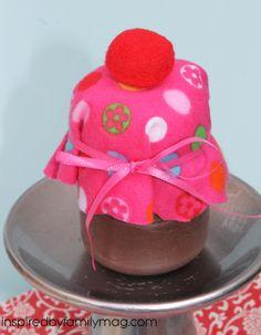 Cupcake in a jar favor idea