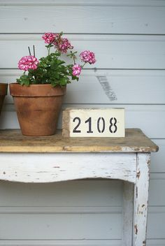 I love this picture! Have a look at this great gardening tips site I found:    http://greenthumbgardening.fastprofitpages.com/?id=win44