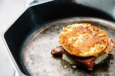 grilled cheese eggs benny recipe - www.iamafoodblog.com #easygourmetgrilledcheese