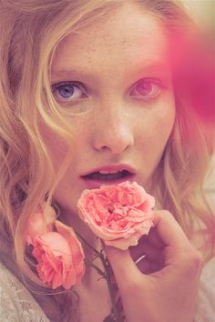 Roses by Perla Maarek