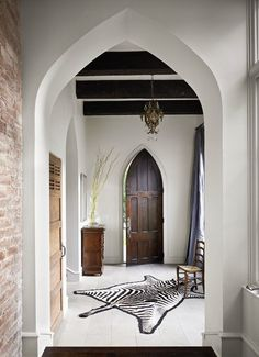 eclectic entry by Hugh Jefferson Randolph Architects