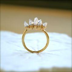 Amethyst spike gold ring