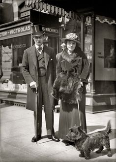 "c. 1915 glass negative taken outside a Victrola ""talking machine"" store in Washington, D.C. Harris & Ewing Collection."