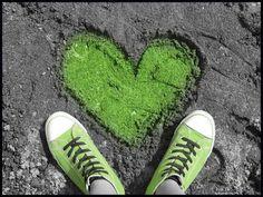 green shoes, sand, green envy, splash, color