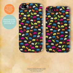 iPhone Space Invaders Case. Classic 80s retro video game themed hard plastic cover.