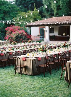 Love the color combo and napkins hanging down