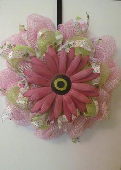 Pink Daisy Deco Mesh Wreath  Handmade by Doris2618 on Etsy, $30.00
