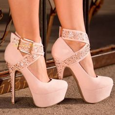 #prom #shoes beautiful shoes. not sure how people would walk in them though.