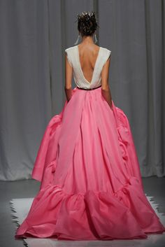 why do I love this so much ?!?!    #pink #white #wow #runway #gown #dress #fashion #fancy