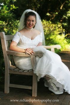 Bridal portraits - bridal portrait of Diana sitting in park bench in San Antonio Texas Richard's Photography