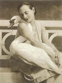 Anna Pavlova, 1932. Photo by Joan Seyferth