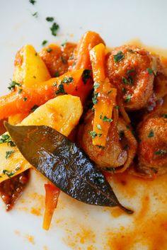 Pieds et paquets à la Marseillaise #orange #food #tourismpaca #tourismepaca #Marseille #piedsetpaquets #lamb #agneau #Provence #France #South #Sud