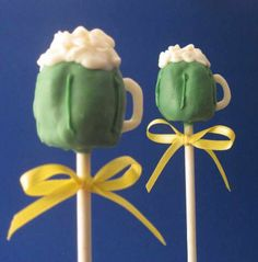 Green Beer Cake Pops beer pop, saint patricks day, beer cakes, white chocolate, cake pops, st patricks day, mug cakes, cakepop, chocolate cakes