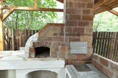 How to Build an Outdoor Pizza Oven - A free, illustrated, step-by-step project from HowToSpecialist.com