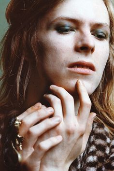 david bowie photographed by brian ward, 1971.