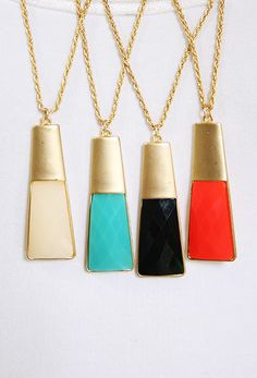 Love these pendent necklaces!