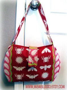 1-hour (?) shoulder bag