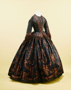 Day dress, 1855 From the Musée Galliera