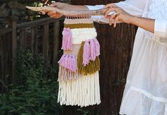 diy woven wall hanging tutorial