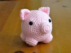 My little Pig (large images) - pattern included - CROCHET  @Ally Squires Squires Tarwater