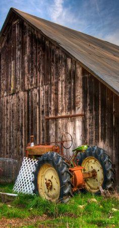 Barn & Tractor