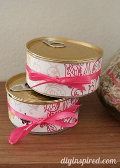 Recycled Gift Wrapping Idea: Pop Top Cans - http://www.diyinspired.com/recycled-gift-wrapping-idea-pop-top-cans/ #ecofriendly #giftwrapping #recycledcrafts gift wrapping