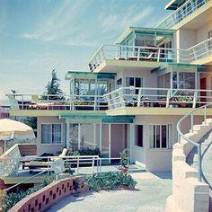 Vintage ektachrome-1954-Laguna Riviera beach resort- via divewizard flickr.com