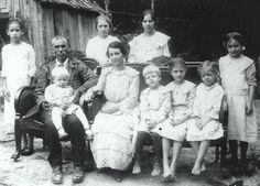 photos of roseanna mccoy   The Mccoy Family