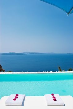 turquoise pool in oia. santorini.