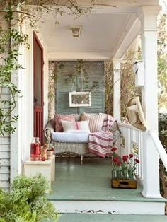 kindnessalwaysmatters:    You can hear the sound that wooden porch...