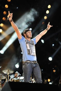 Tune in to see Luke Bryan 'shake it' on 'CMA Music Festival: Country's Night to Rock' on ABC Aug 12 at 8l7c!