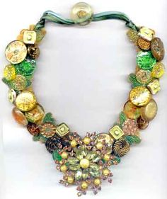 button necklace, bling button