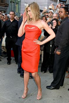 Jennifer Aniston looks and smells great! beauti women, jennifer aniston, hairstyl mid, colors, dresses, orang color, fashion fashion, oranges, jennif aniston