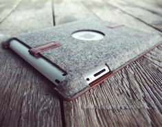 Merino wool felt and leather PaletteCase for the iPad. by Nick and Beau, brothers and designers