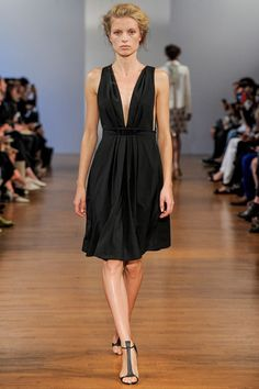 Collette Dinnigan Spring 2014 Ready-to-Wear Collection Slideshow on Style.com